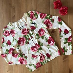 Abercrombie kids sweater w/ red roses